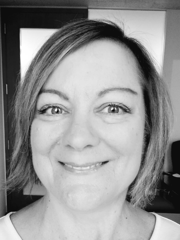 Joanie Chevalier, Editor